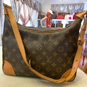 Authentic Louis Vuitton Boulogne MM